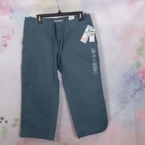 Old Navy Green Capris Low Waist size 12